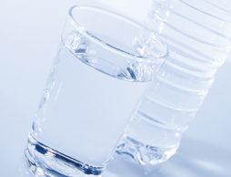 ミルク用の水や飲み水をどう選ぶ?「水」について知ろう!