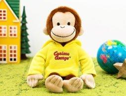 ちょっと大きめの黄色いパーカーがよく似合ってるね! 「おさるのジョージ ぬいぐるみ」
