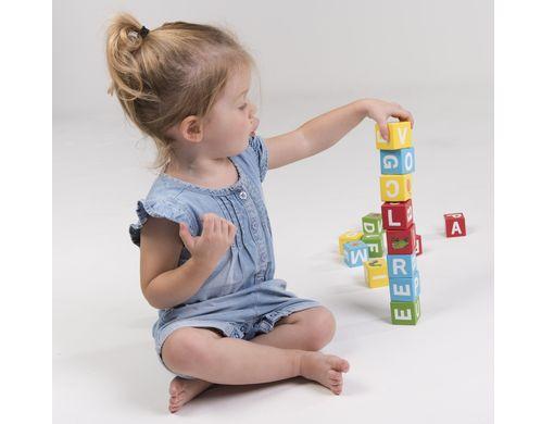 遊びながら楽しくABC!「はらぺこあおむし 木製アルファベットブロック」