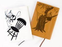 ムーミン好きにはマストアイテム!「刺繍合皮ブックカバー」& 「ヴィンテージブックカバー」