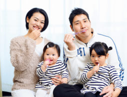 【乳幼児期のオーラルケア】 親子の楽しい歯みがき習慣でむし歯を防ごう!