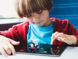 【news】世界初!完成品のロボットが付録に!学習雑誌『小学8年生』