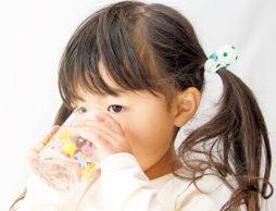 乳幼児の水分補給と熱中症対策