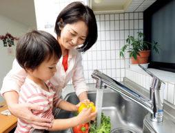 【安心の浄水器】 タカギの浄水器で変わる安心で快適なキッチン生活!