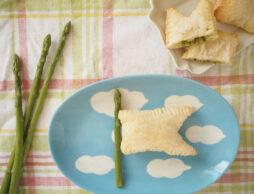 こどもの日に作りたい!アスパラがもっと好きになるレシピ「アスパラの鯉のぼりパイ」
