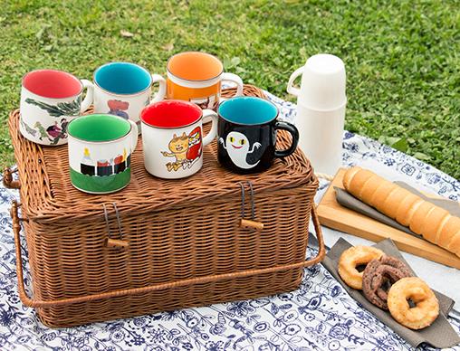 絵本ナビ流!ピクニックをとびきり楽しむ秘訣は…「ロングセラー絵本マグカップ」!