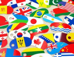 眺めているだけでも時間が過ぎていく…世界すべての国旗が揃った『リングカード・せかいじゅうの国旗』が美しい!