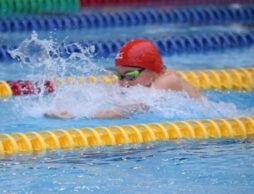 人気のスイミング教室の実態は?ベビーから通う6歳の水泳体験記