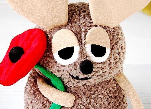 http://www.ehonnavi.net/shopping/item.asp?c=4974475449939