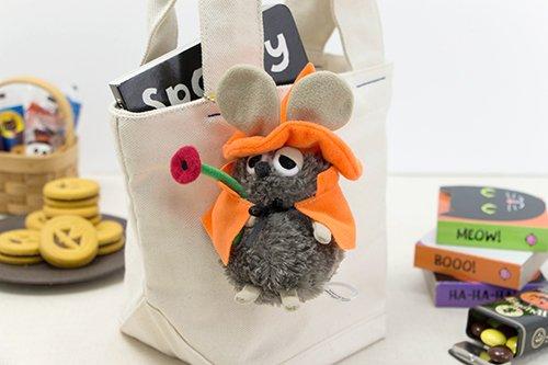 http://www.ehonnavi.net/shopping/item.asp?c=4974475723633&LID=TEM